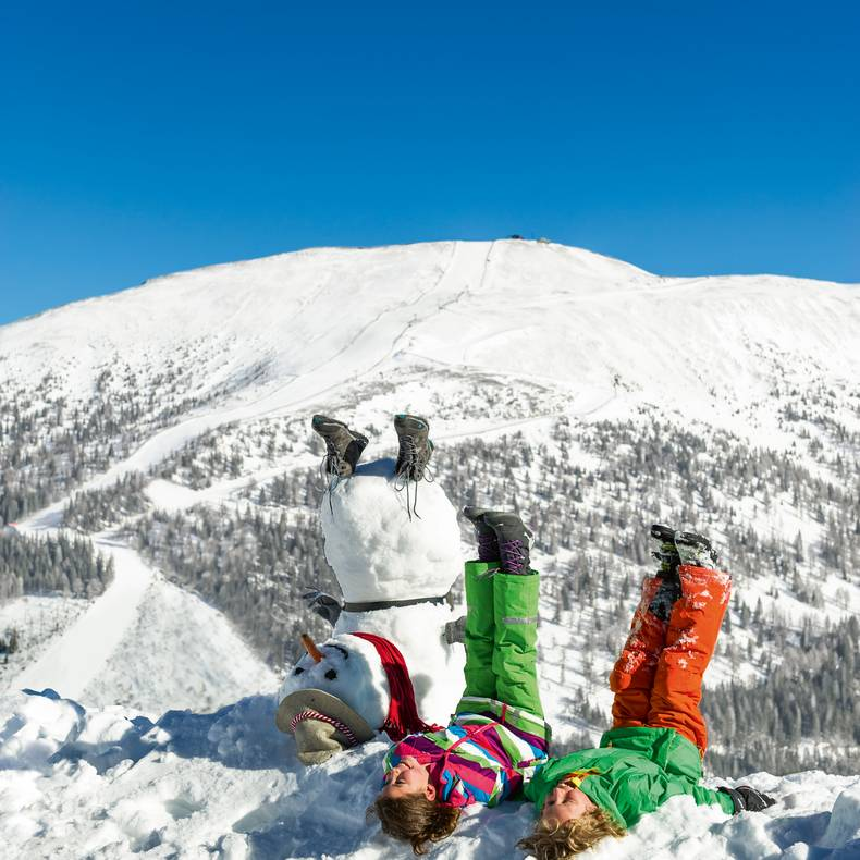 Spass mit dem Schneemann am Katschberg