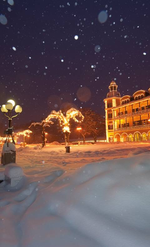 Schloss Velden im Schnee beim Veldener Advent