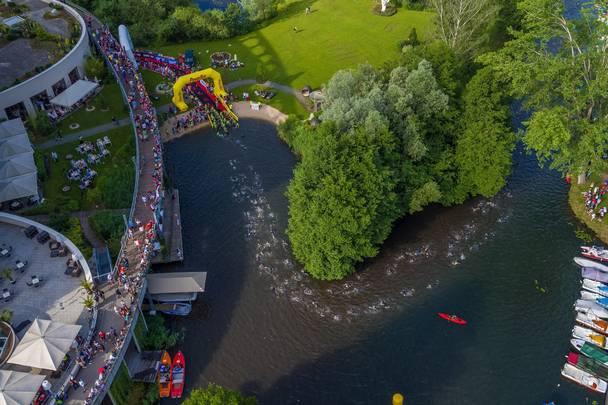Ironman Schwimmausstieg Lendkanal