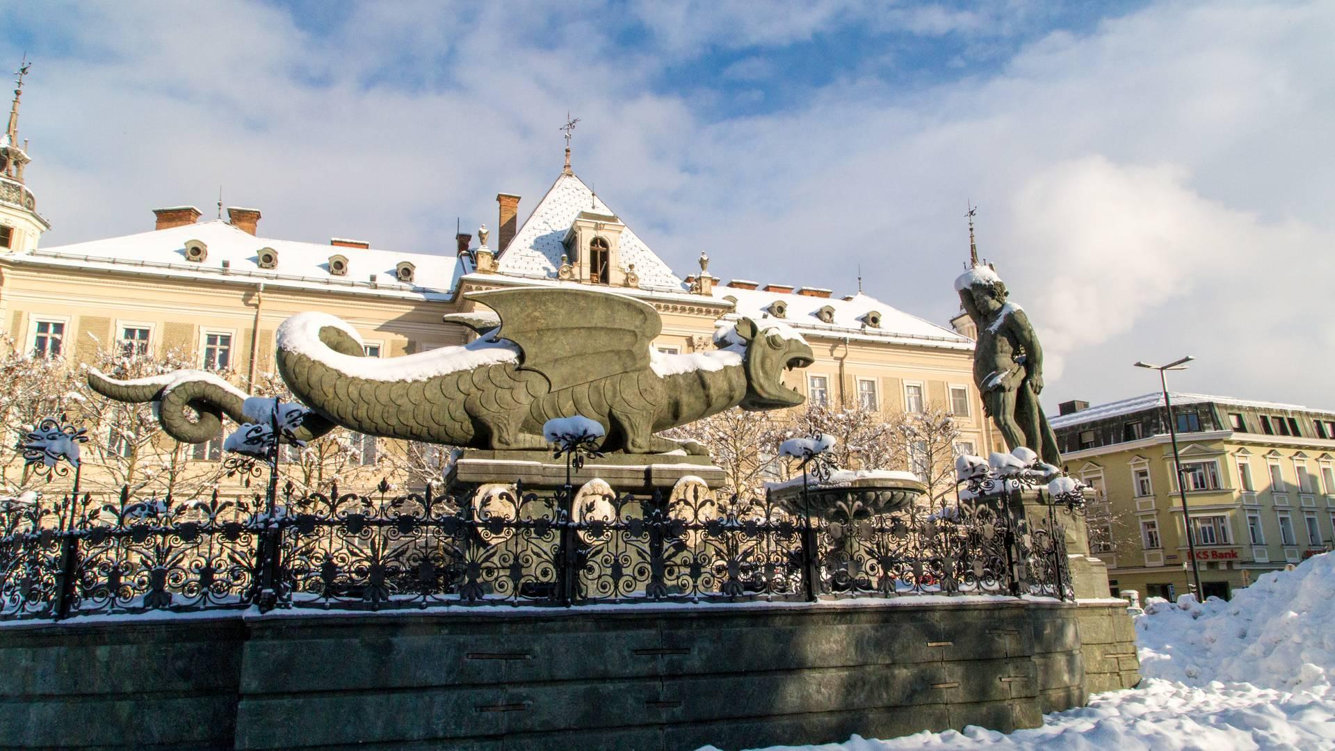 Klagenfurt Winter Lindwurm c Pixelpoint Multimedia