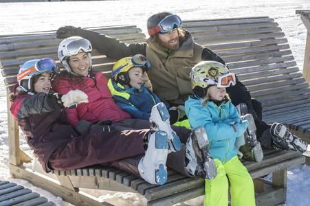 Family Ski Hit