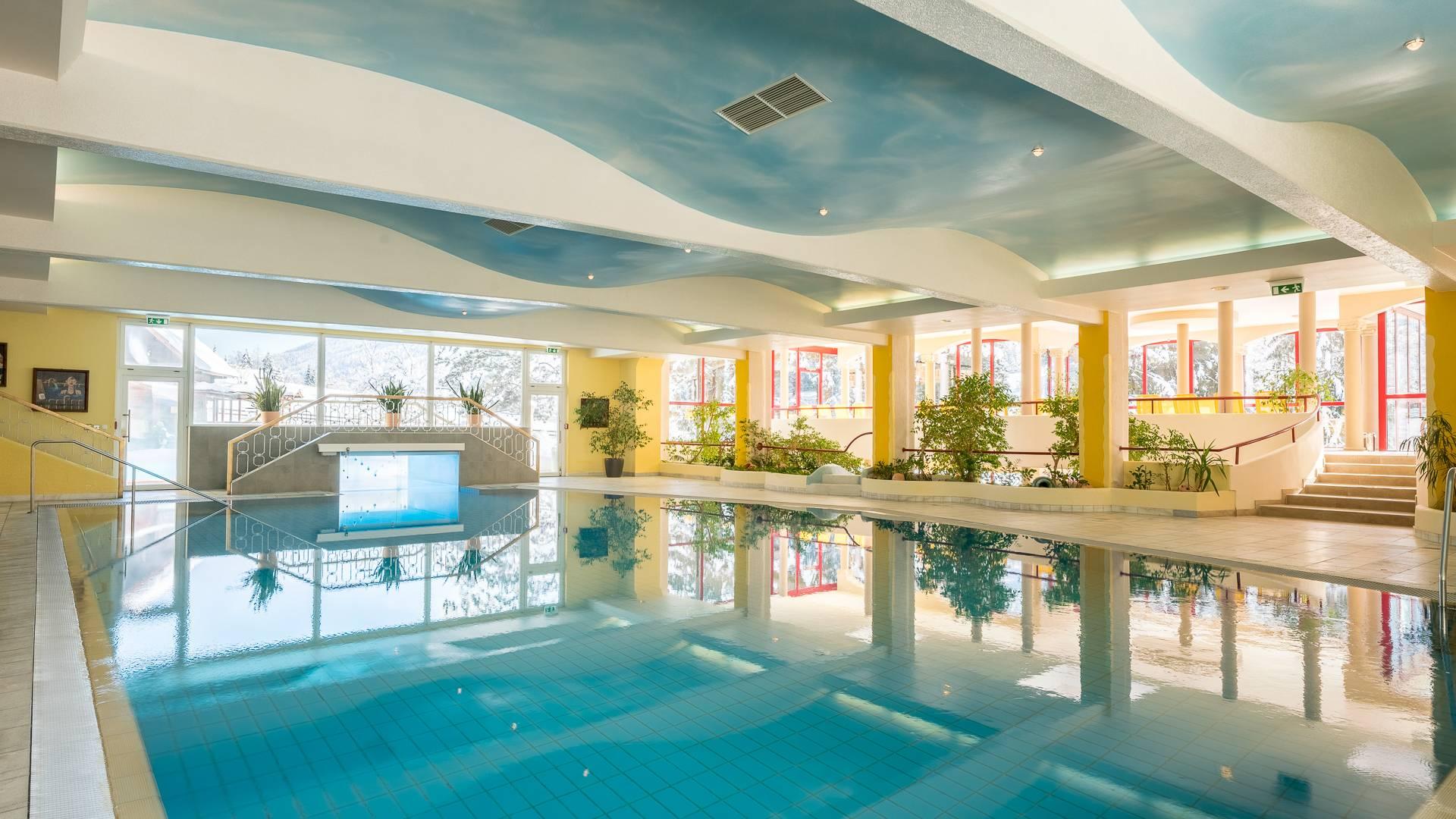 Hotel Pulverer_Im Winter ins Hallenbad